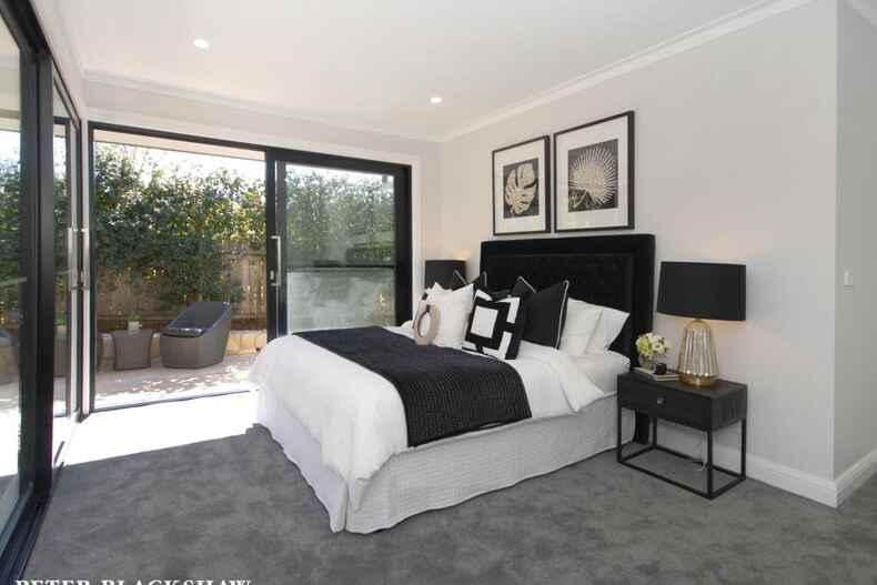 1 Blaxland Crescent Griffith
