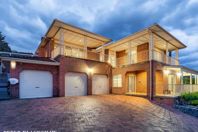 35 Whitty Crescent Isaacs