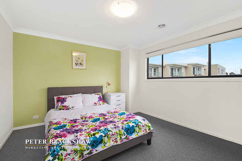 6/1 Ronald Walker Street Casey