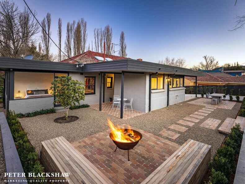 71 Flinders Way Griffith