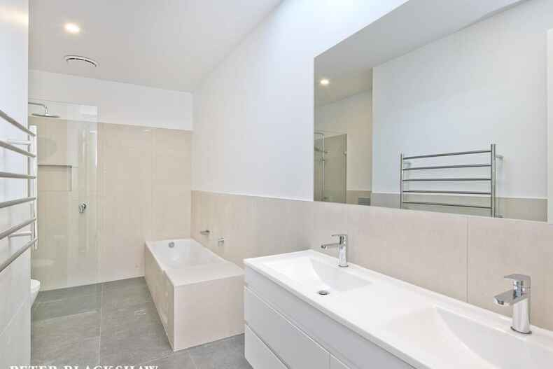2/215 La Perouse Street Red Hill