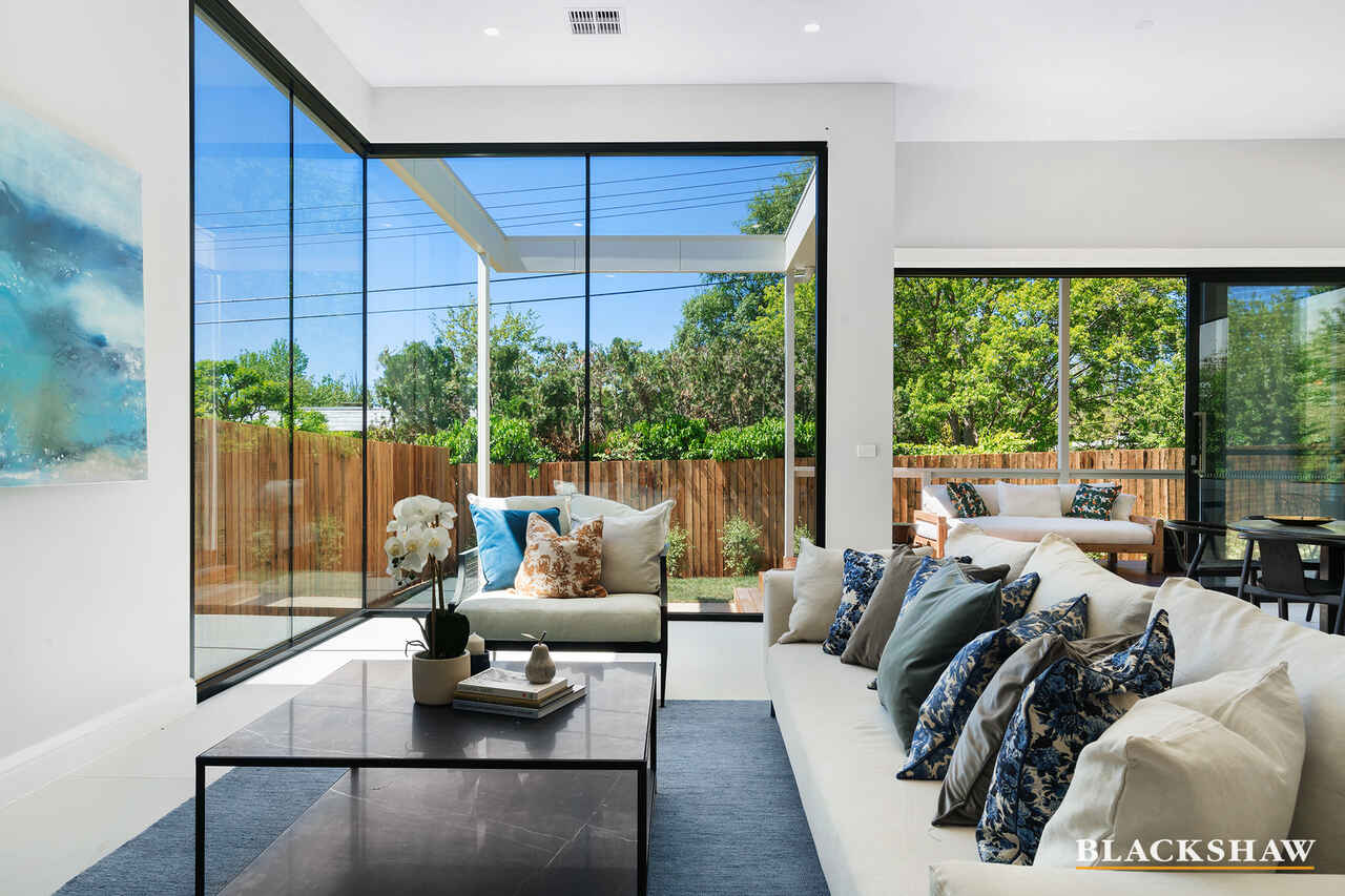 2/258 La Perouse Street Red Hill