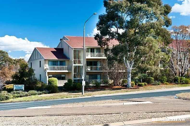 67/53 McMillan Crescent Griffith