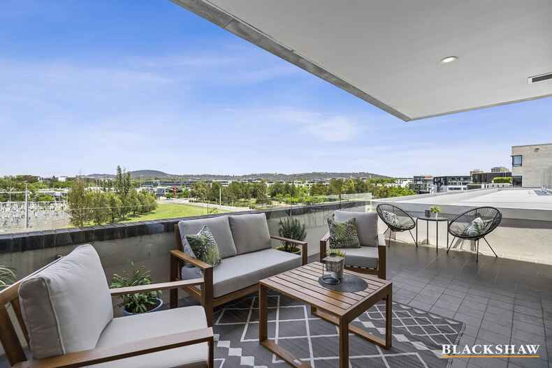 412/85 Eyre Street Kingston