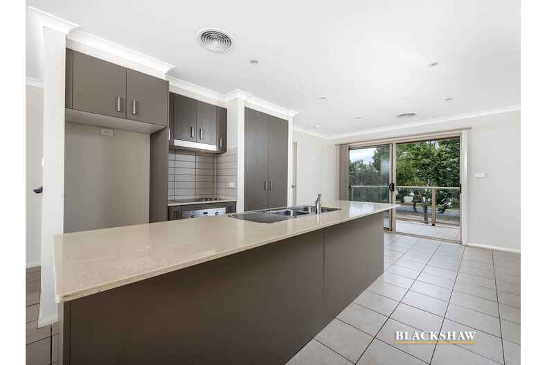 87a Anthony Rolfe Avenue Gungahlin