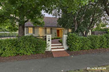 15 Durville Crescent Griffith