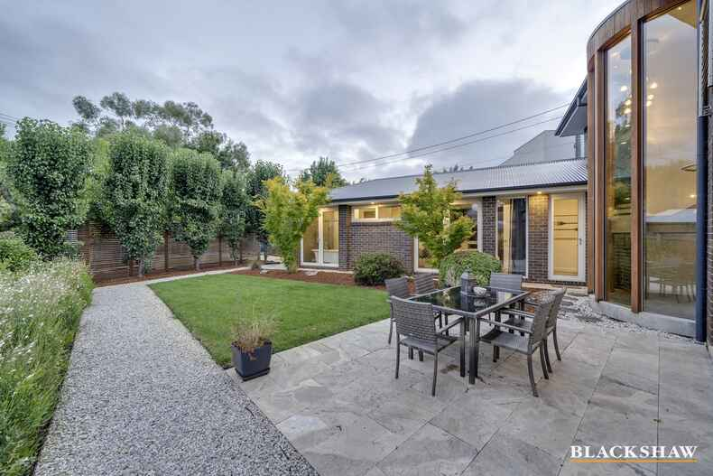 1 Macartney Crescent Deakin