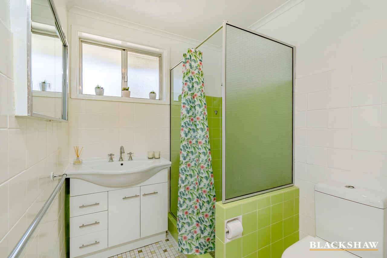 11a Newbery Crescent Page