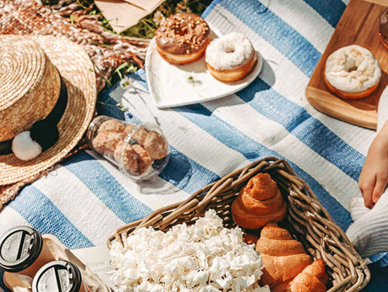 Explore Canberra's best picnic spots this spring
